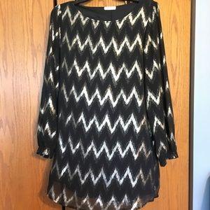 Black and gold, chevron, long sleeved swing dress